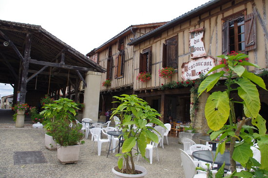Restaurant du Centre Bassoues Gers